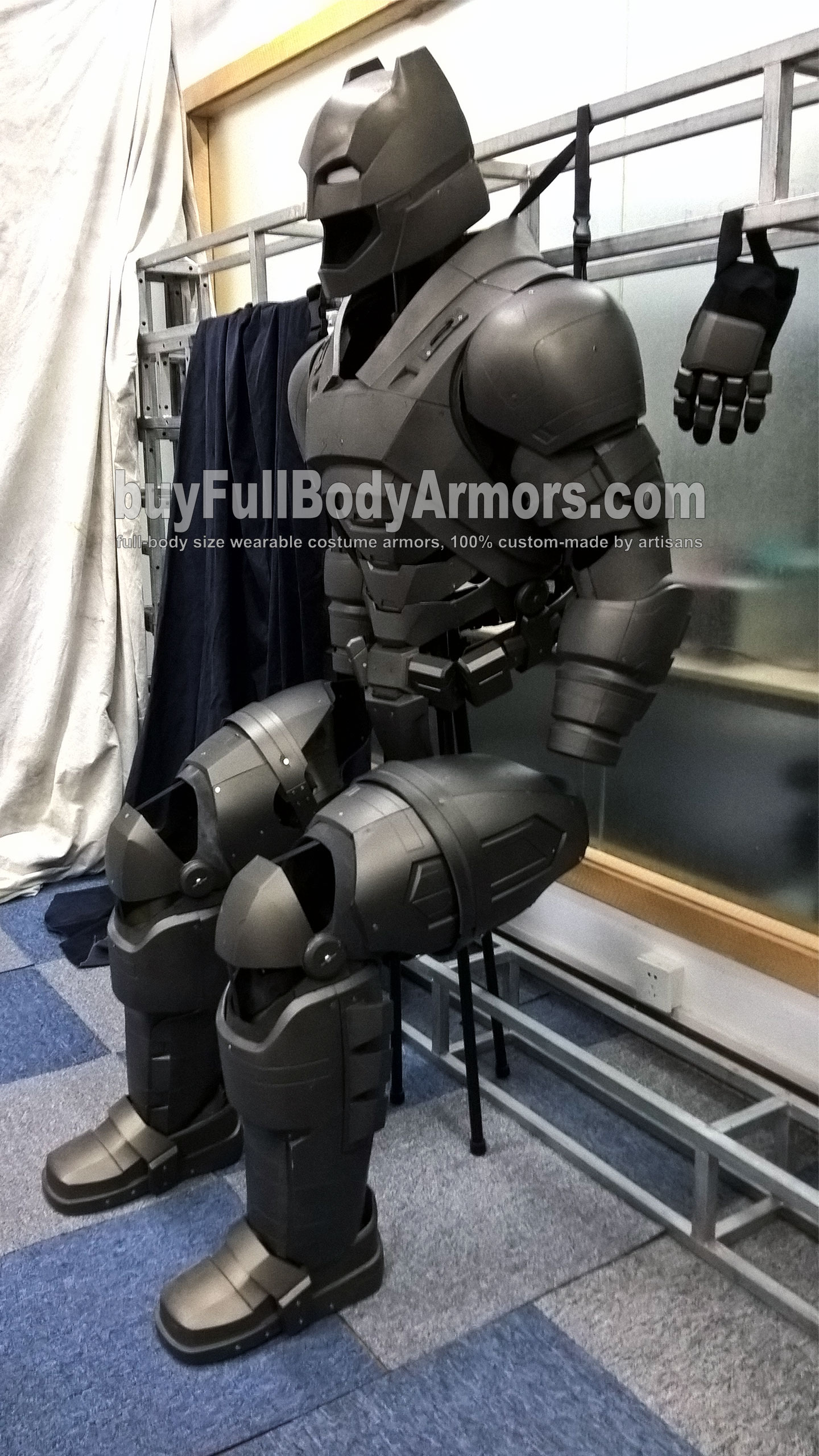 The Wearable Armored Batsuit Costume (Batman Armor Suit in Batman V Superman: Dawn of Justice) Display Status side