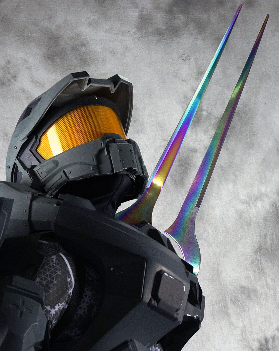 wearable Halo 4 Master Chief energy sword